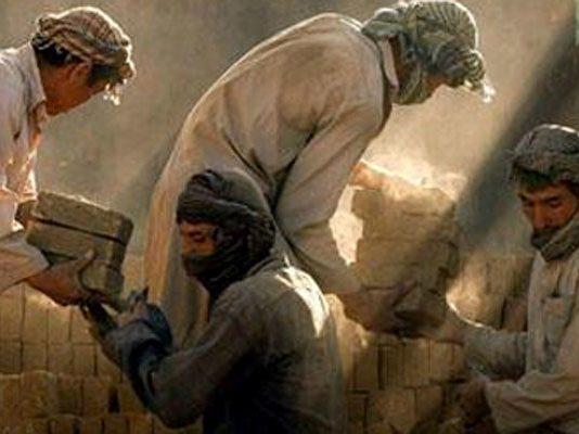 اتباع بیگانه در کدام رسته های شغلی ایران نمی توانند کار کنند